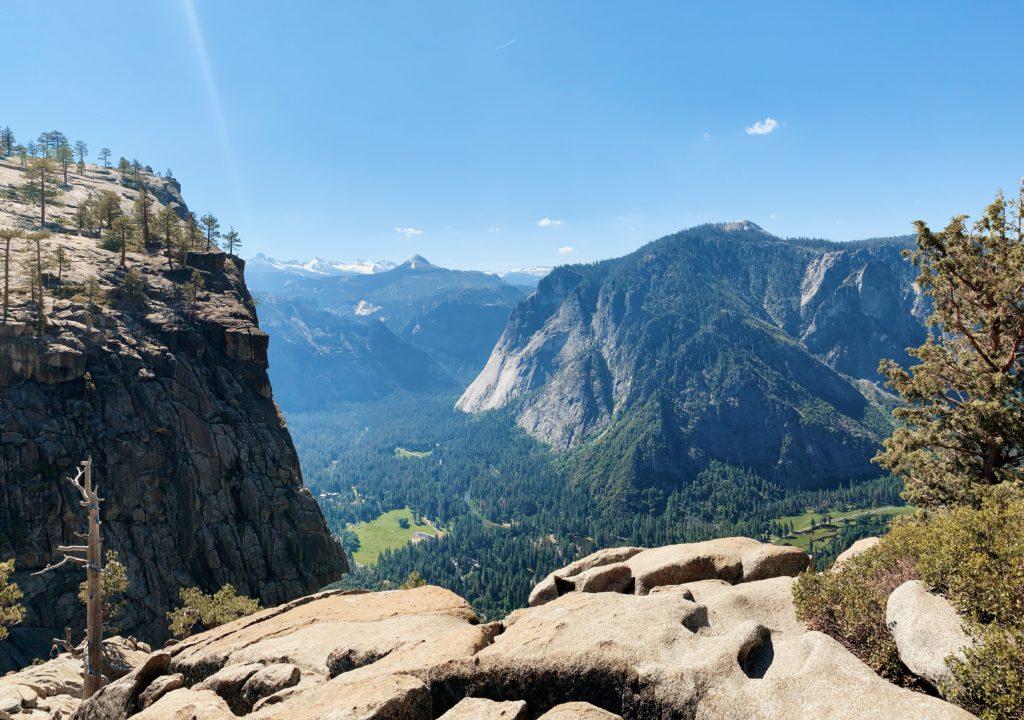 Hiking Upper Yosemite Falls Trail